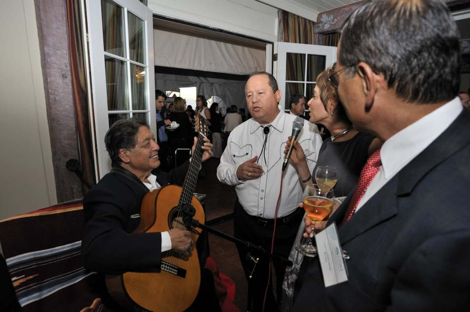 1880 Rosario begins duet