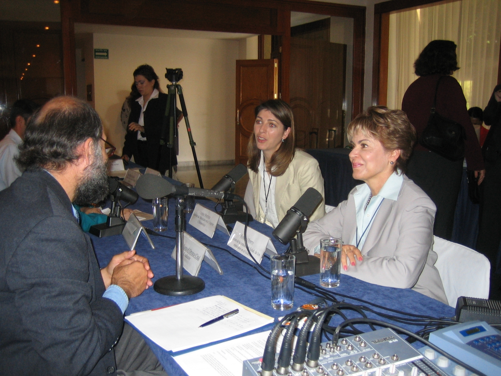 Entrevista Radio Bilingue (Cristina y Rosario)