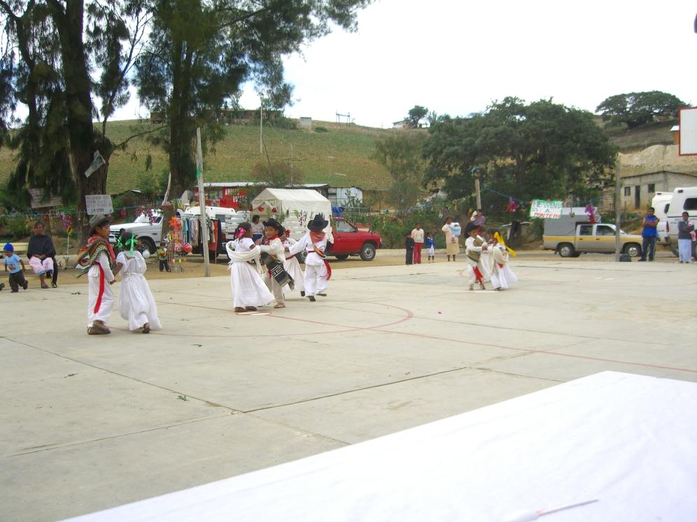 bailable Monte Frio Oaxaca 2006 100