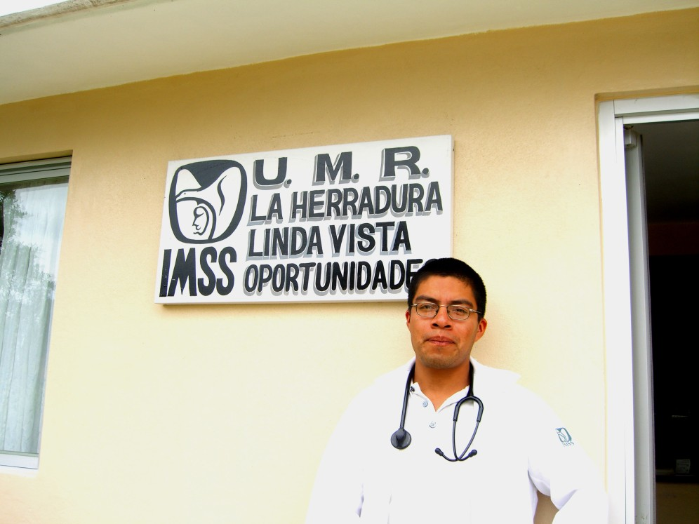 Dr Moises Hernandez Oaxaca 2006 096