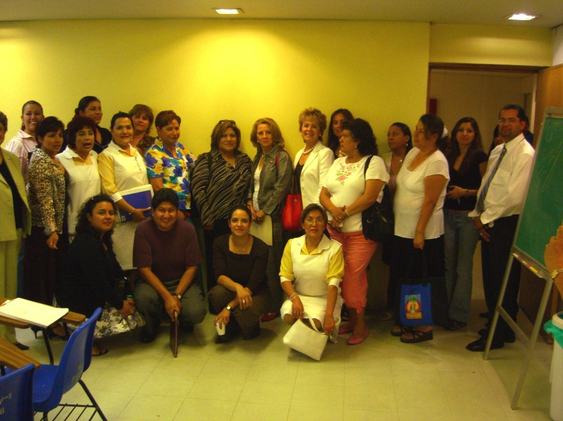 Grupo con Sra. Flores 2006 022